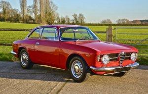 1970 Alfa Romeo Giulia 1300GT Junior