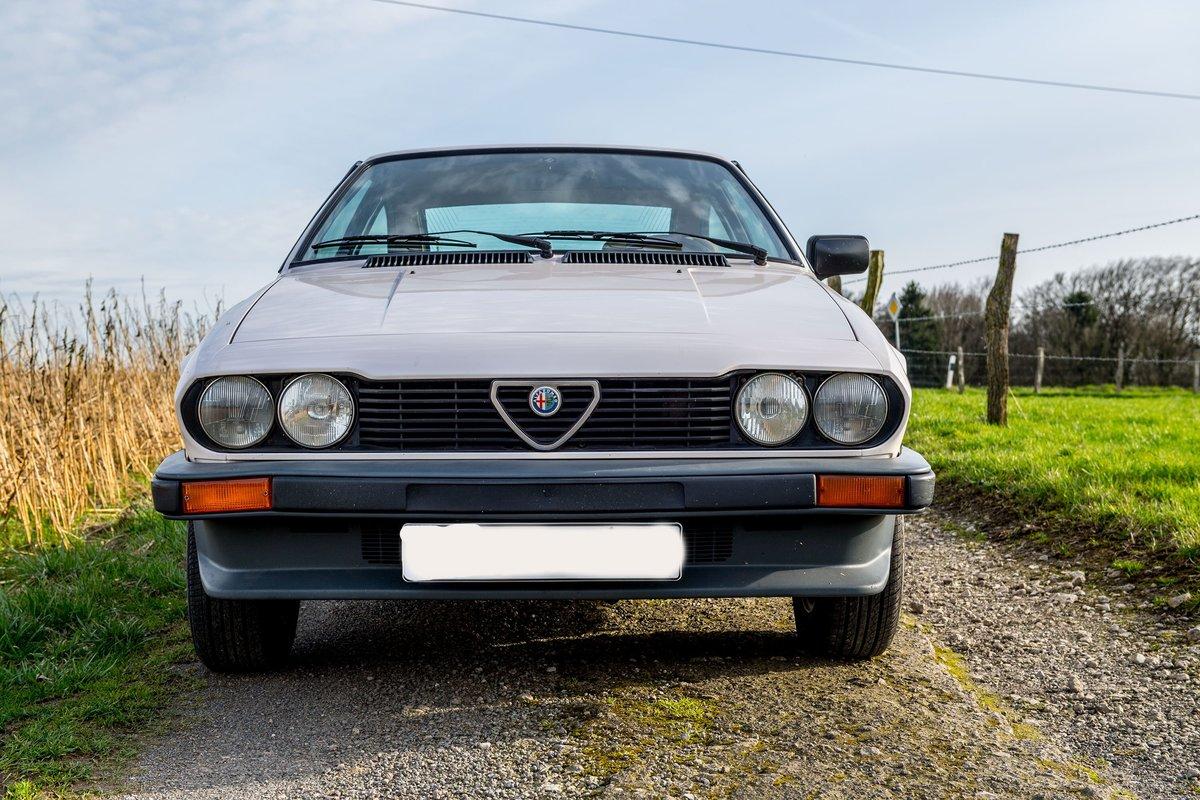 1982 Alfa Romeo Alfetta 2.0 GTV For Sale (picture 2 of 6)