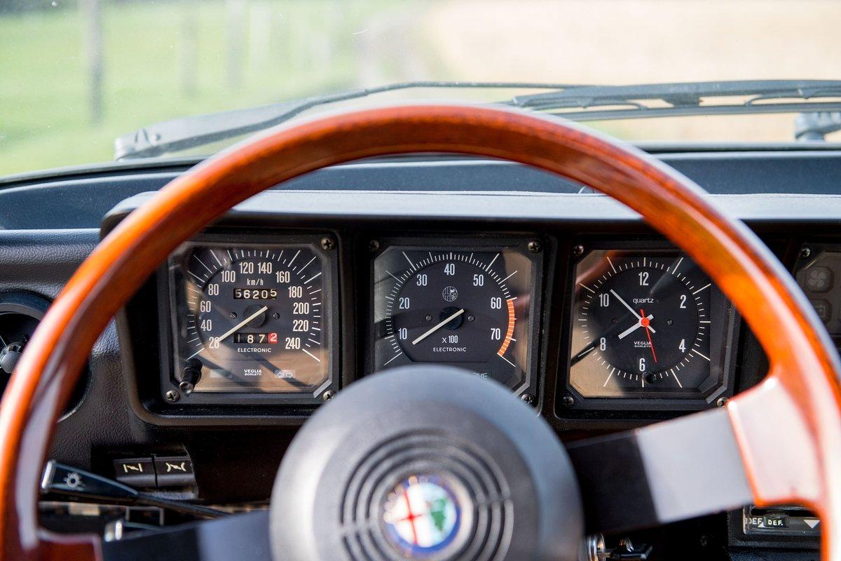 1982 Alfa Romeo Alfetta 2.0 GTV For Sale (picture 4 of 6)