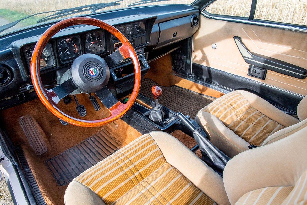 1982 Alfa Romeo Alfetta 2.0 GTV For Sale (picture 5 of 6)