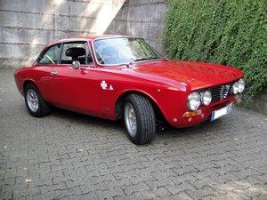 Alfa Romeo Giulia 2000 GTV (1973)