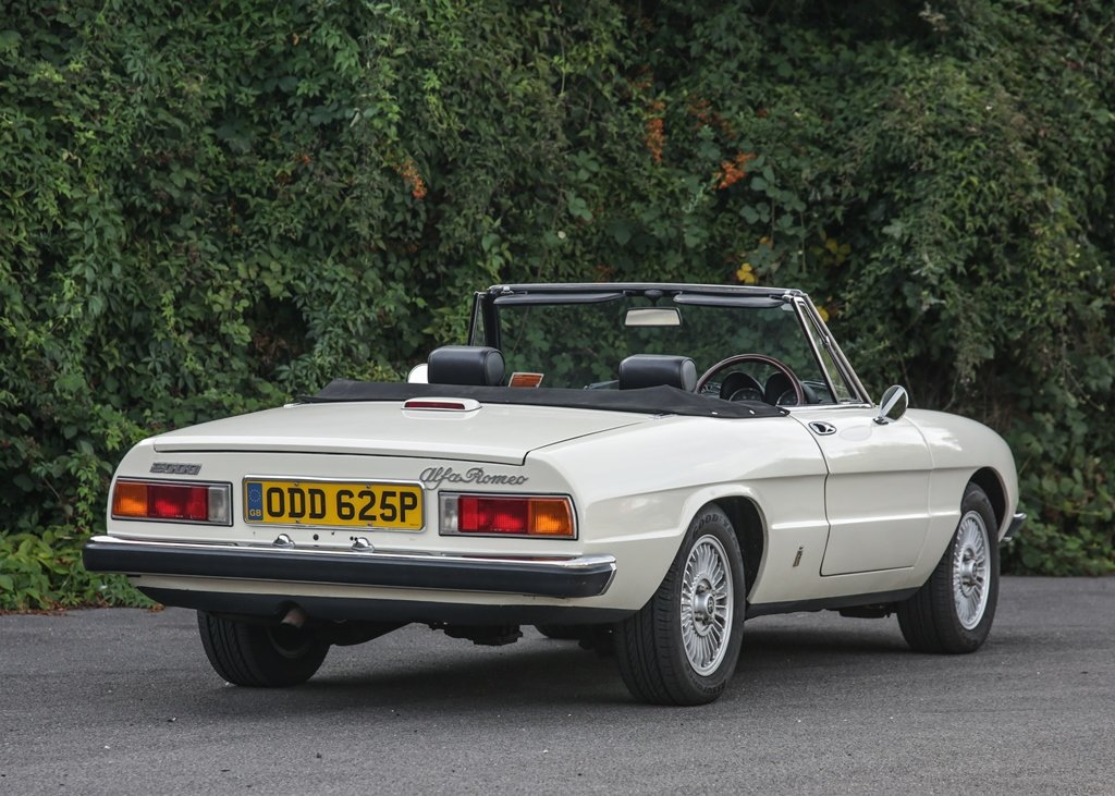 1976 Alfa Romeo 2000 Spider Veloce SOLD by Auction (picture 1 of 6)