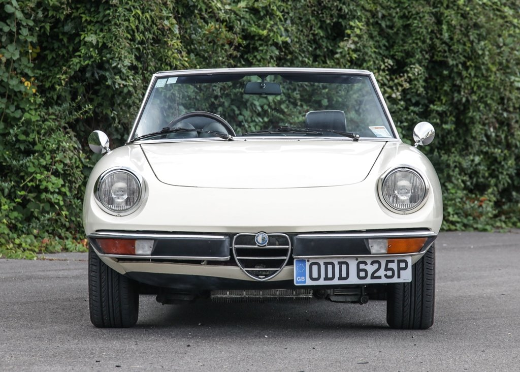 1976 Alfa Romeo 2000 Spider Veloce SOLD by Auction (picture 2 of 6)