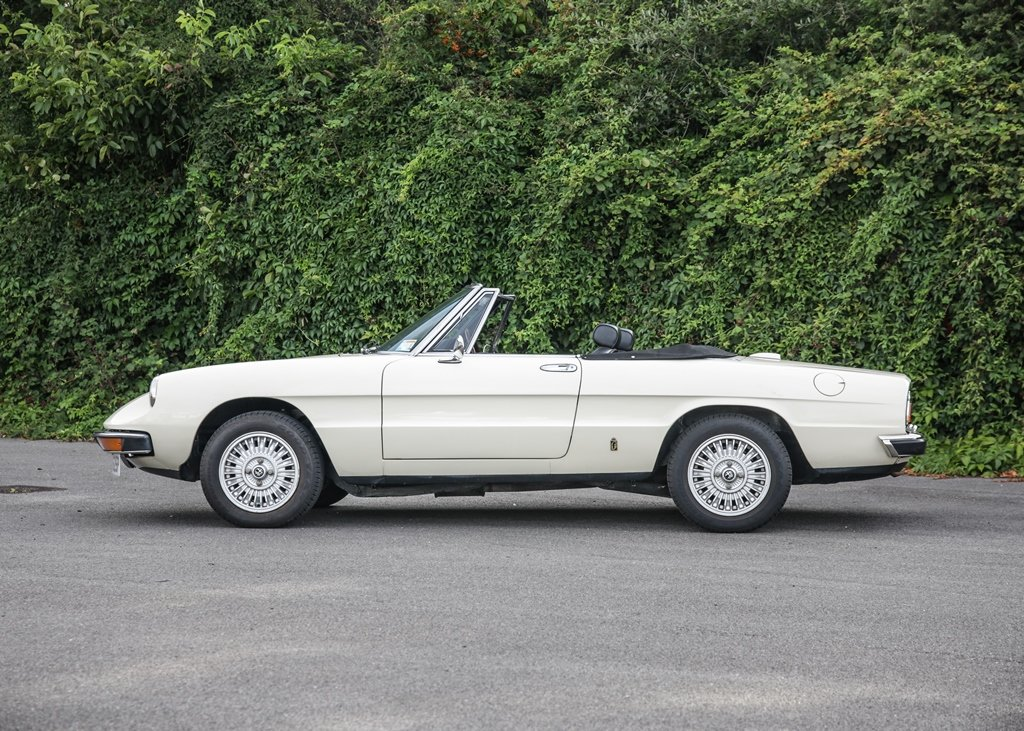 1976 Alfa Romeo 2000 Spider Veloce SOLD by Auction (picture 3 of 6)
