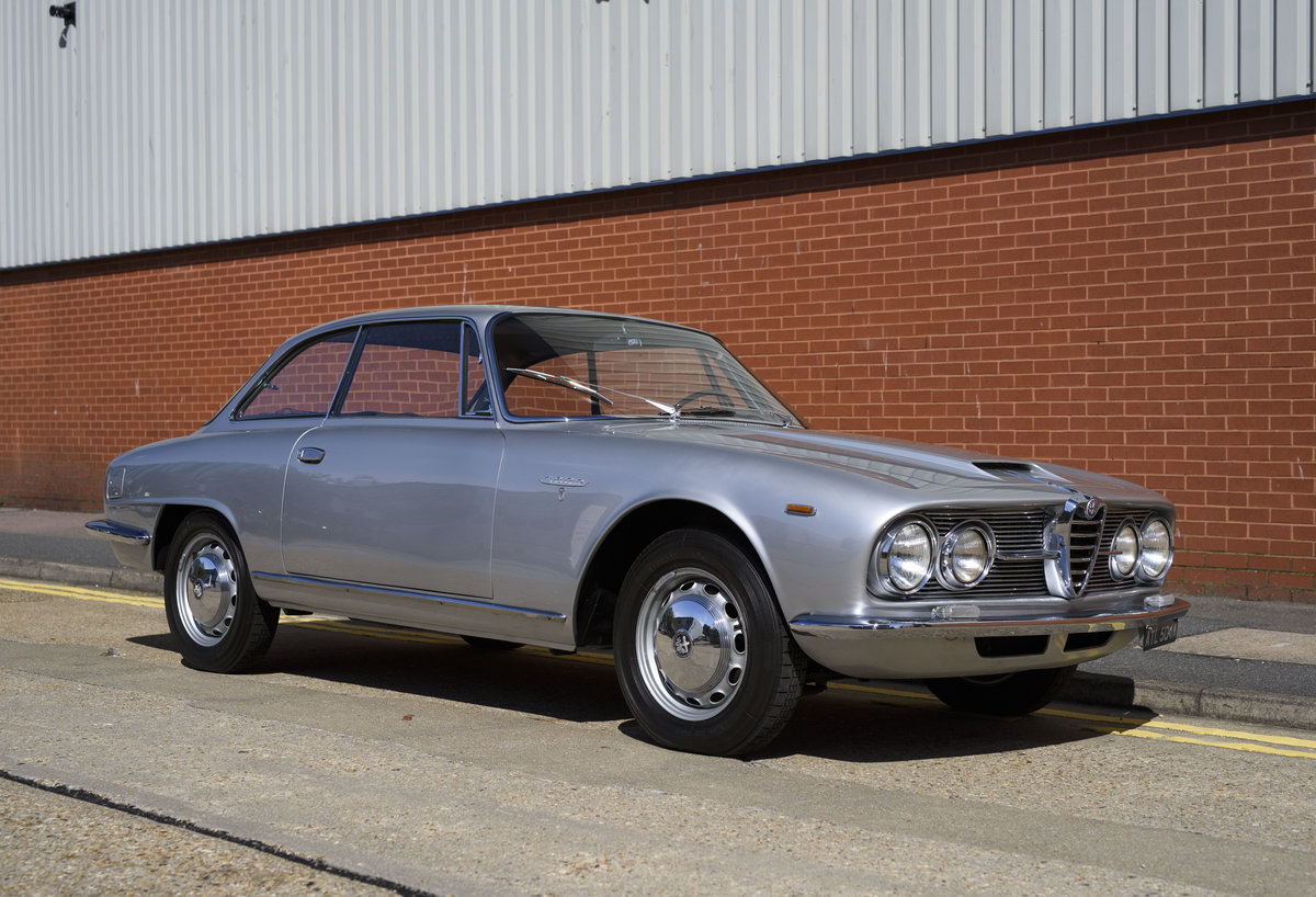 1963  Alfa Romeo 2600 Sprint Coupe By Bertone (LHD)  For Sale (picture 2 of 22)