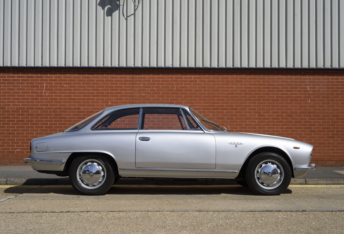 1963  Alfa Romeo 2600 Sprint Coupe By Bertone (LHD)  For Sale (picture 5 of 22)