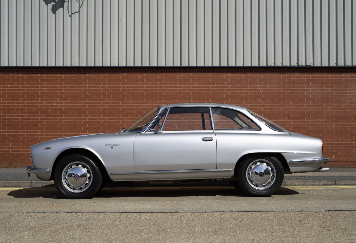 1963  Alfa Romeo 2600 Sprint Coupe By Bertone (LHD)  For Sale (picture 6 of 22)