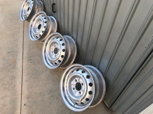 Wheels Alfa Romeo Spider, GT, Giulia, Duetto For Sale (picture 2 of 6)