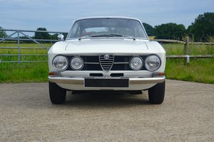 1968 Alfa Romeo 1750 GTV Mk1 RHD For Sale