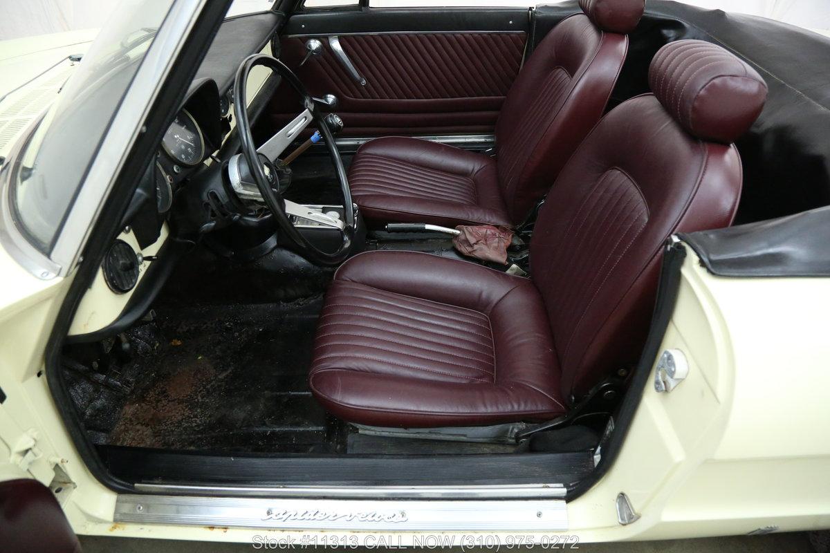 1969 Alfa Romeo Duetto 1750 For Sale (picture 4 of 6)