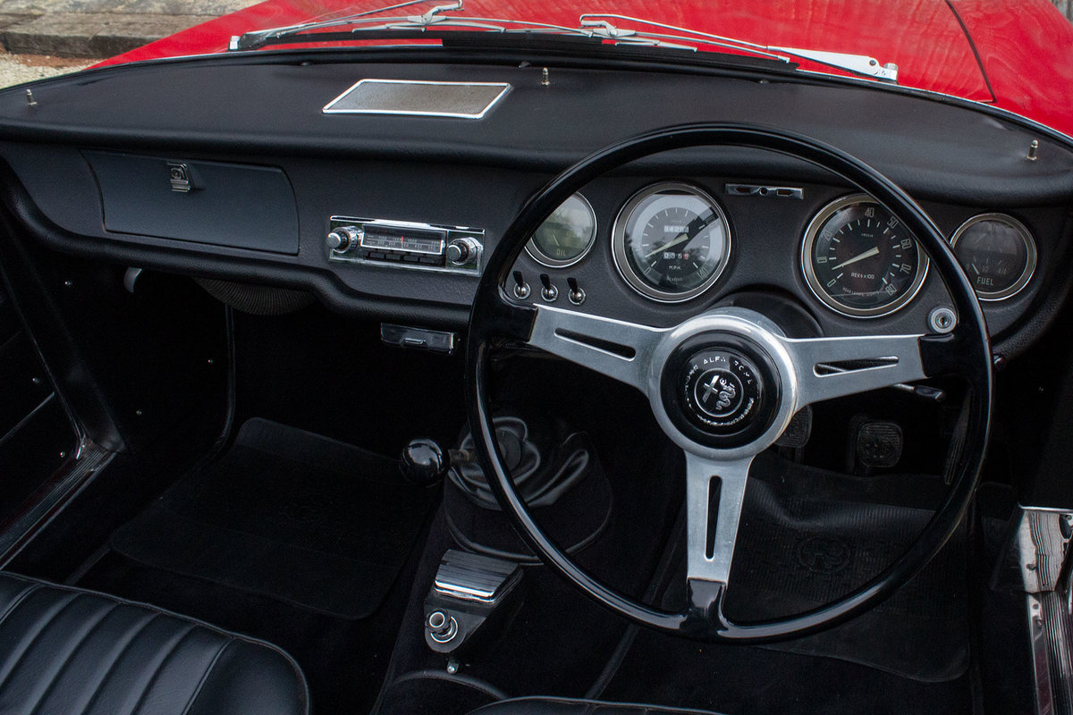 1966 Alfa Romeo Giulia GTC - 1 of 99 UK RHD examples For Sale (picture 4 of 6)