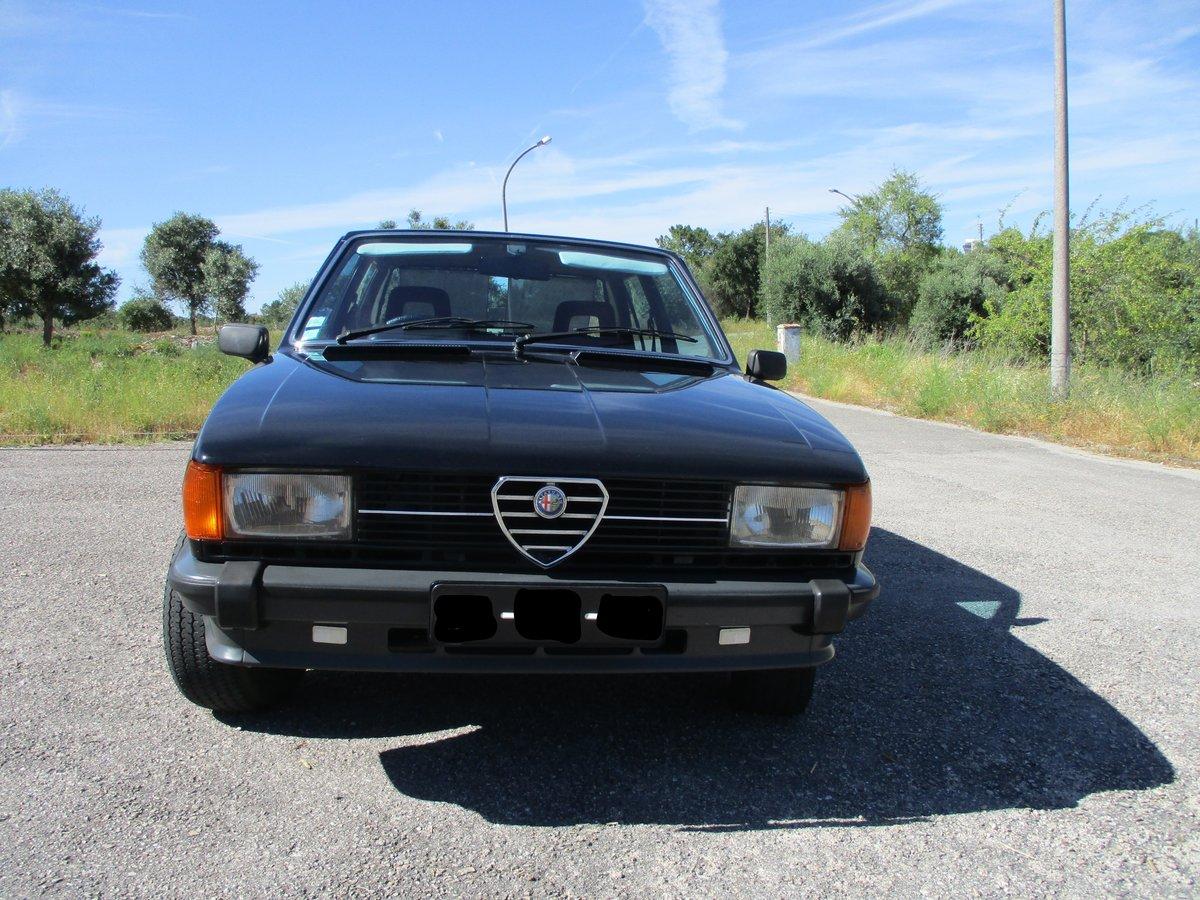 1981 Alfa Romeo Giulietta 1.8 RHD 4 door For Sale (picture 2 of 6)
