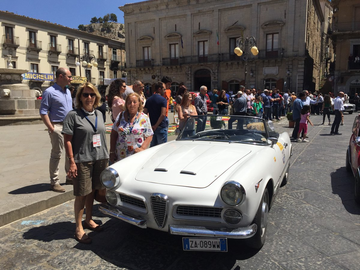 1960 Alfa Romeo 2000 Spider Touring  For Sale (picture 4 of 6)