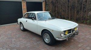 1968 Alfa Romeo 1750 GTV Coupe (105 series) RHD