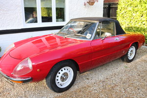 1975 Alfa Romeo Spider in Rosso Red For Sale