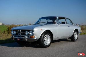 1970 Alfa Romeo 1750 GTV - original colour configuration