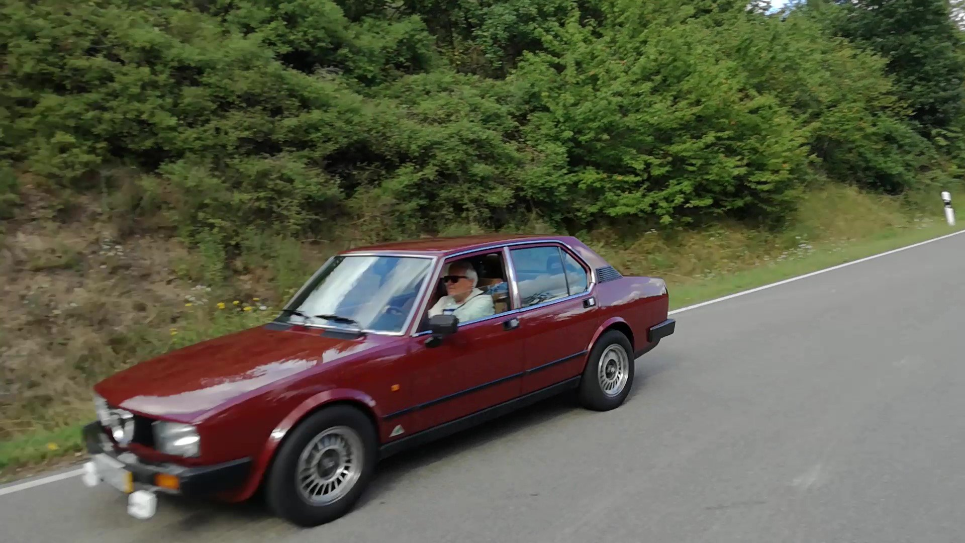 1982 Alfa Romeo Alfetta 2.0 taped to the asphalt.transaxle system For Sale (picture 3 of 3)