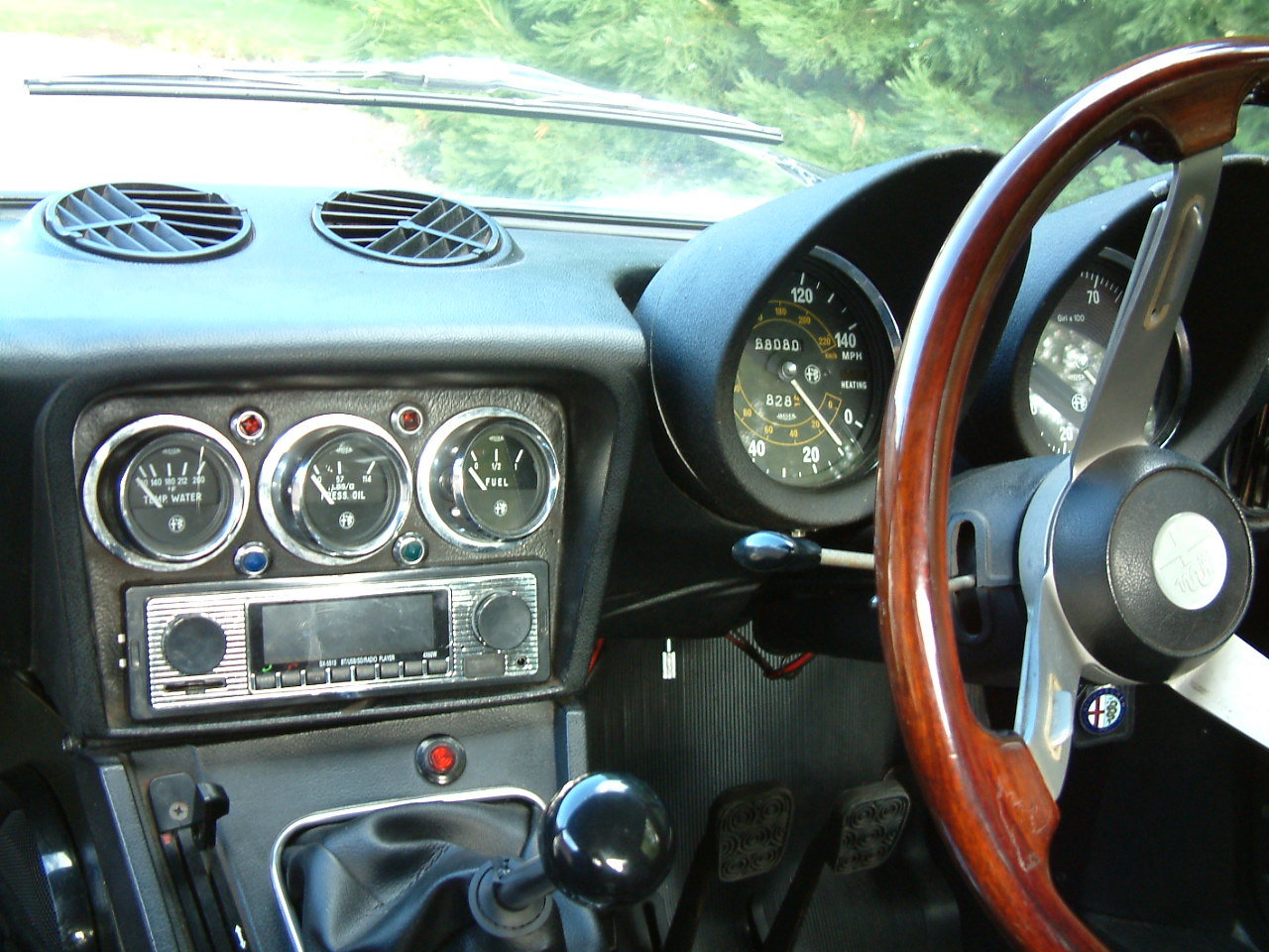 1976 Alfa Romeo Spider Veloce 2000 -  Lovely Cabriolet For Sale by Auction (picture 3 of 6)