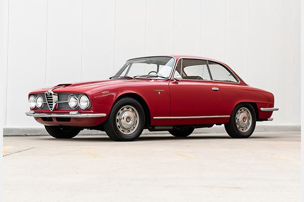 1966 Alfa Romeo 2600 Sprint  Red(~)Black 5 Speed $36.7k For Sale (picture 1 of 4)