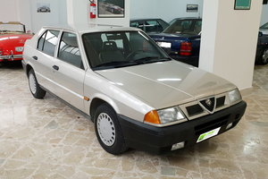 1991  1091/5000 ALFA ROMEO 33 1.5 IE ()