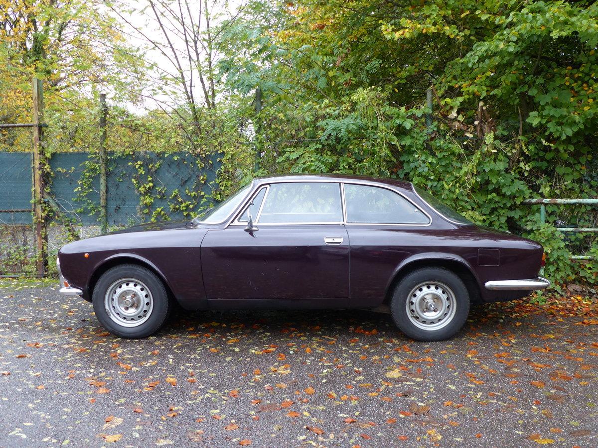 1972 top original Alfa Bertone GTV 2000, two owners For Sale (picture 4 of 6)