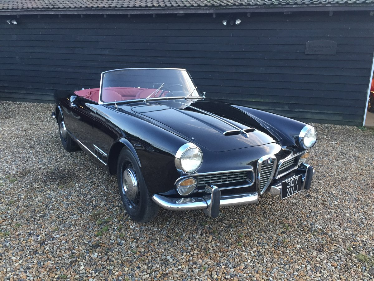 1960 Alfa Romeo 2000 Touring Spider For Sale (picture 1 of 6)