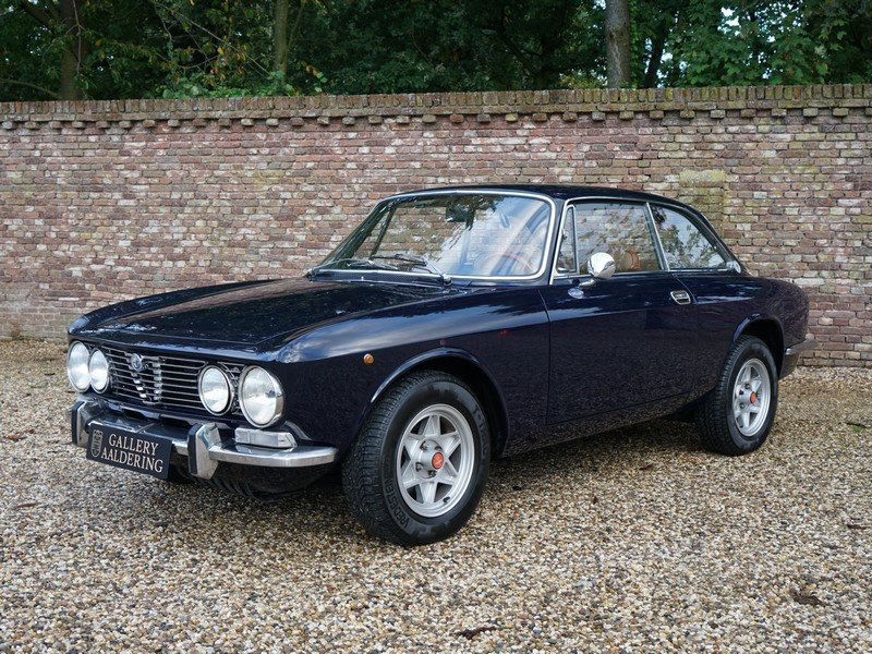 1972 Alfa Romeo 2000 GTV Bertone matching numbers and colour, Eur For Sale (picture 1 of 6)