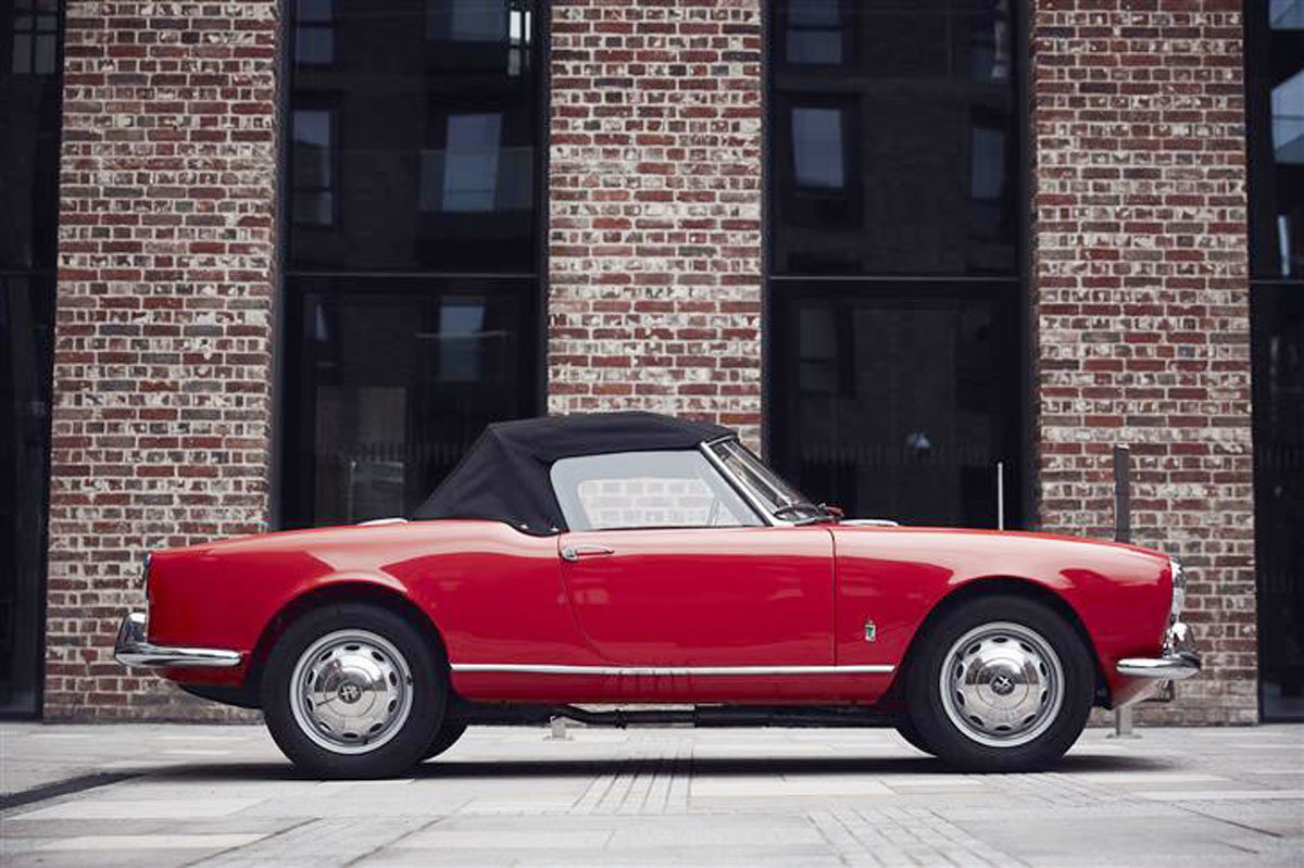 1957 Alfa Romeo Giulietta Spider 17 Jan 2020 For Sale by Auction (picture 2 of 6)