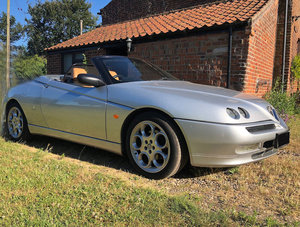 2001 2002 (Y) Alfa Romeo Spider 916 T SPARK 2.0 16v Lusso. Immacu
