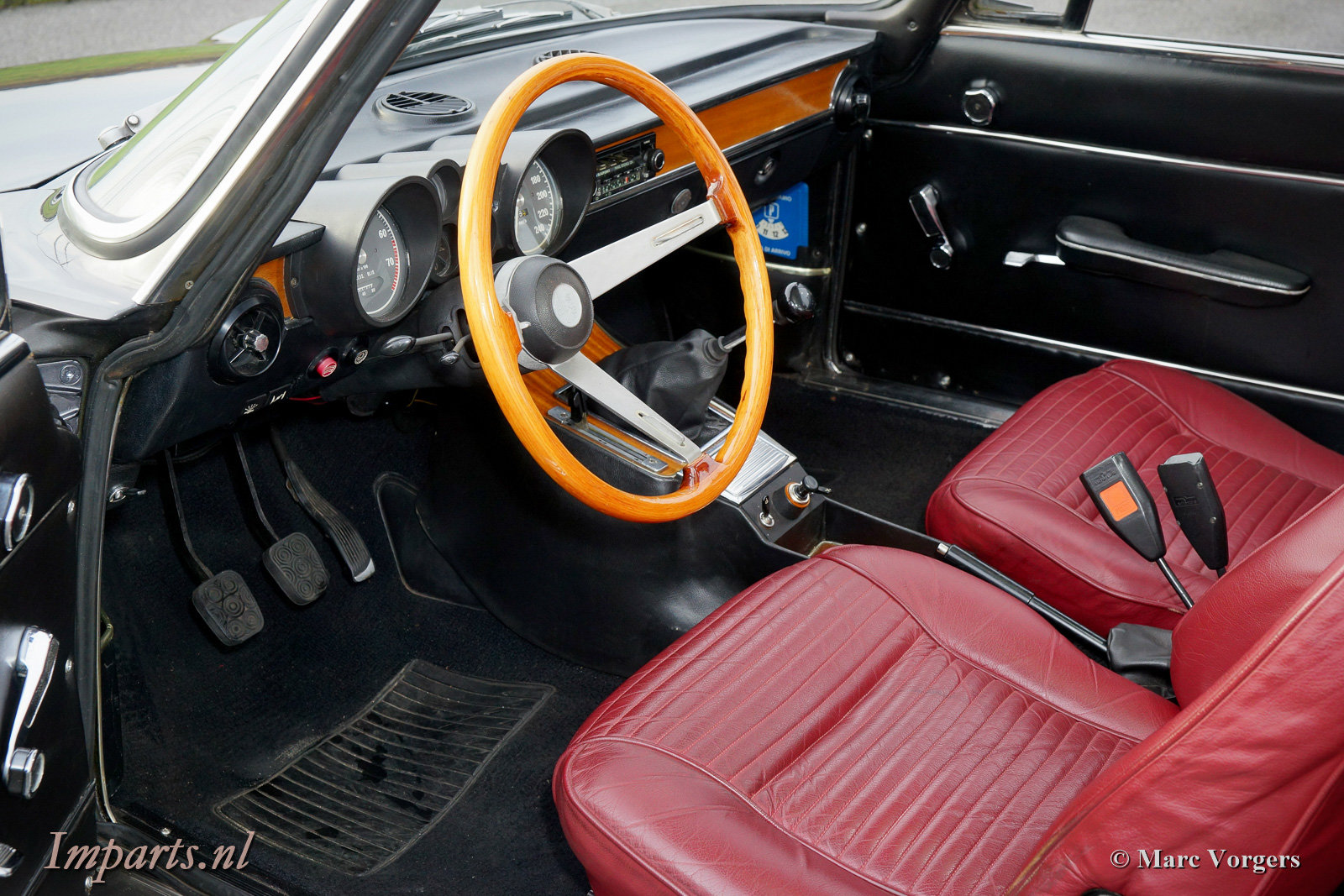 1975 Very nice Alfa Romeo GT Junior 1300 Lusso LHD For Sale (picture 2 of 6)