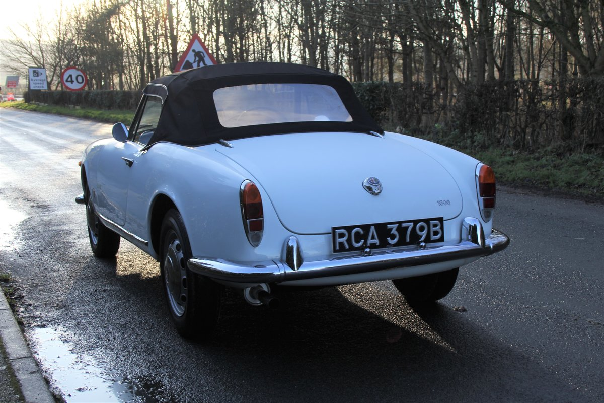 1964 Alfa Romeo Giulia Spider, UK RHD, Years in Canary Islands For Sale (picture 4 of 18)