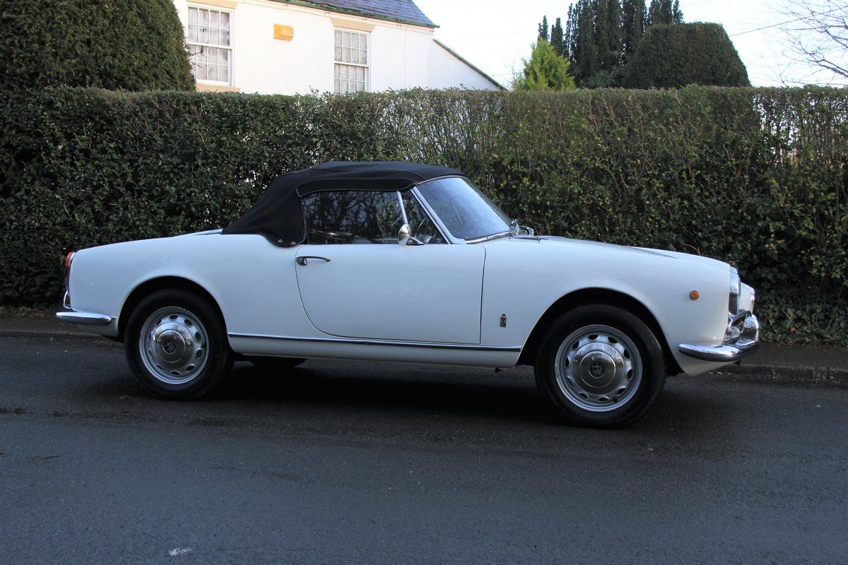 1964 Alfa Romeo Giulia Spider, UK RHD, Years in Canary Islands For Sale (picture 7 of 18)