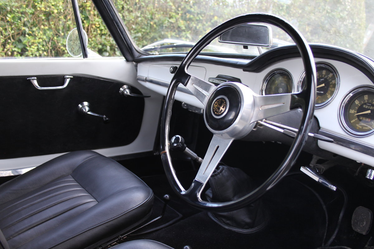 1964 Alfa Romeo Giulia Spider, UK RHD, Years in Canary Islands For Sale (picture 8 of 18)