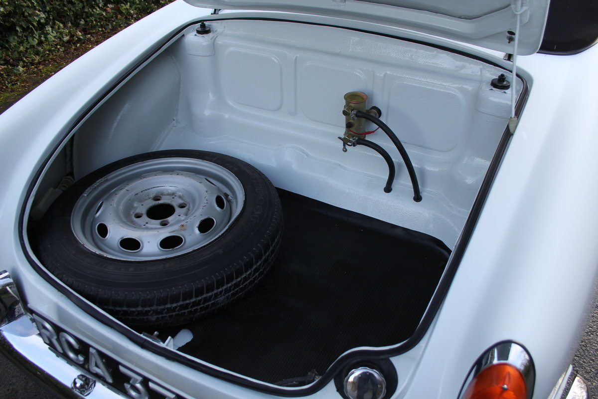 1964 Alfa Romeo Giulia Spider, UK RHD, Years in Canary Islands For Sale (picture 18 of 18)
