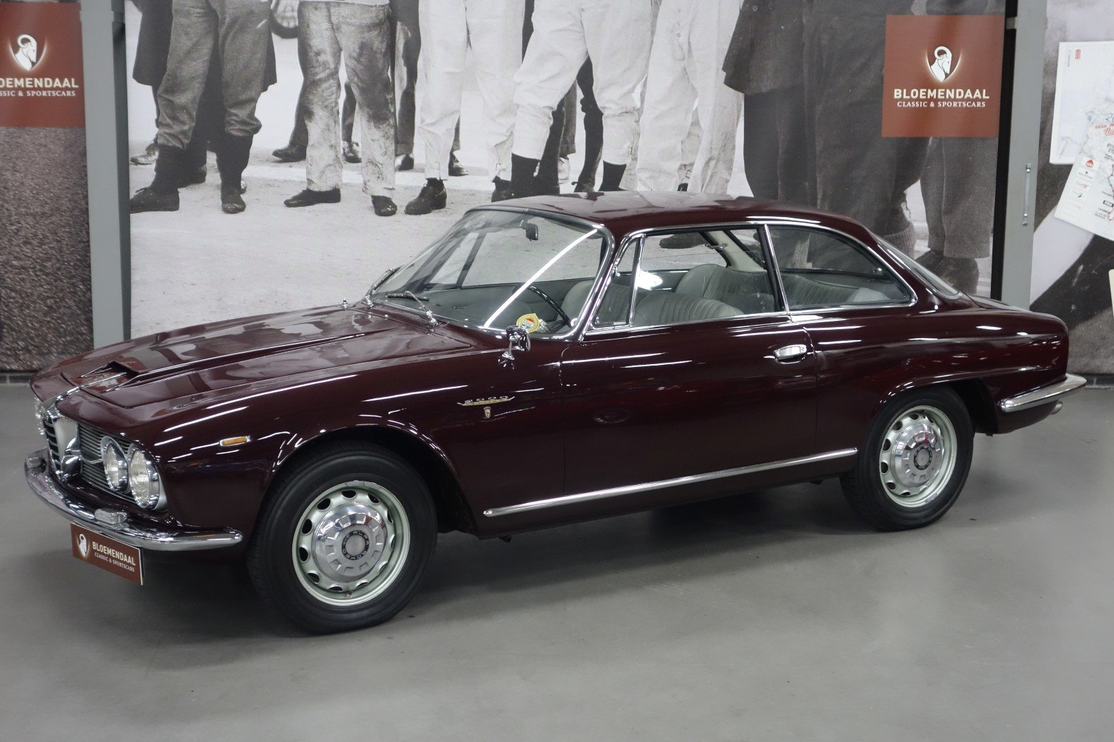 1962 Alfa Romeo 2600 Sprint SOLD (picture 1 of 6)