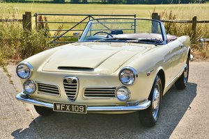 Alfa Romeo 2600 Spider by Touring RHD