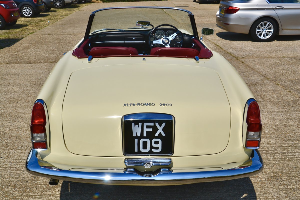 1963 Alfa Romeo 2600 Spider by Touring RHD For Sale (picture 3 of 6)