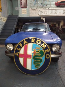 ALFA ROMEO AND FIAT DEALER SIGNS. MANCAVE MATERIAL!