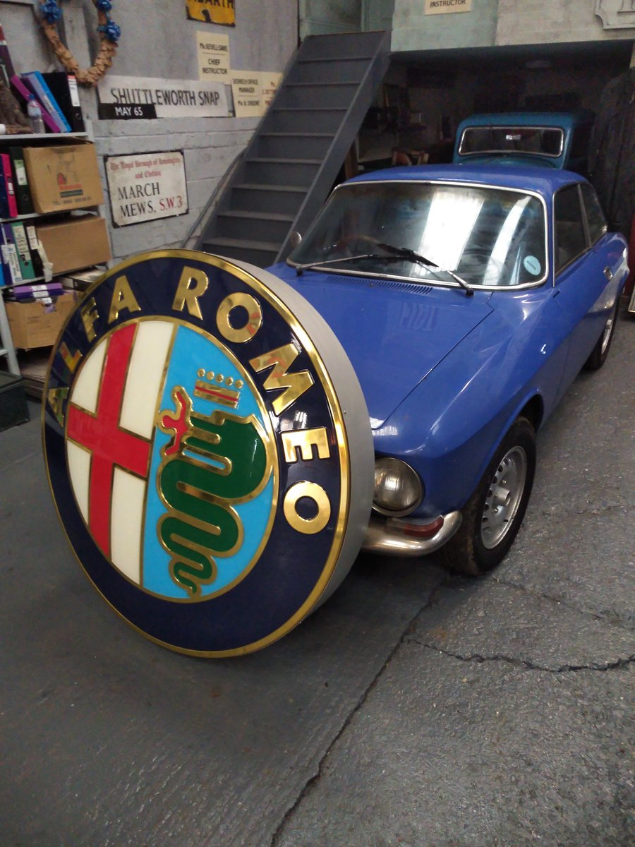 2000 ALFA ROMEO AND FIAT DEALER SIGNS. MANCAVE MATERIAL! For Sale (picture 3 of 5)