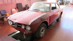 1970 Alfa Romeo 1750 GTV PROJECT RHD