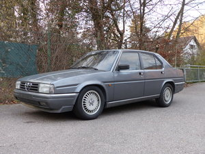 Picture of 1986 rust-free Alfa 90, V6 engine, Quadrifoglio oro