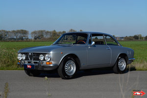 1970 Alfa Romeo 1750 GTV - original colour configuration