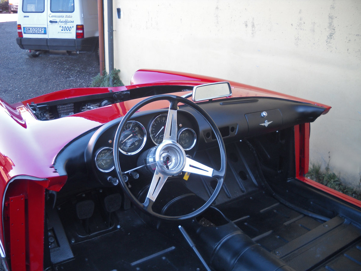 1960 Alfa Romeo 2000 Touring Spider Red Full Restored  €179k For Sale (picture 2 of 6)