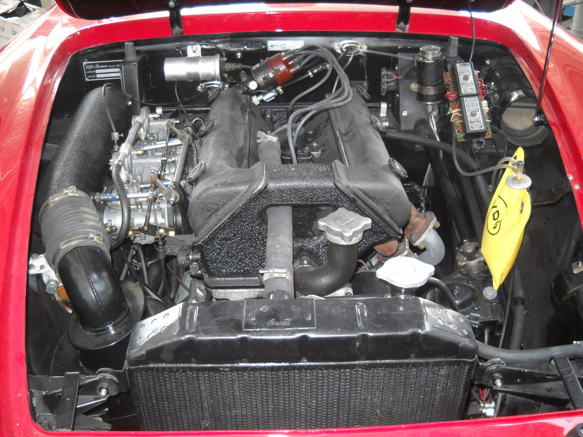 1960 Alfa Romeo 2000 Touring Spider Red Full Restored  €179k For Sale (picture 4 of 6)