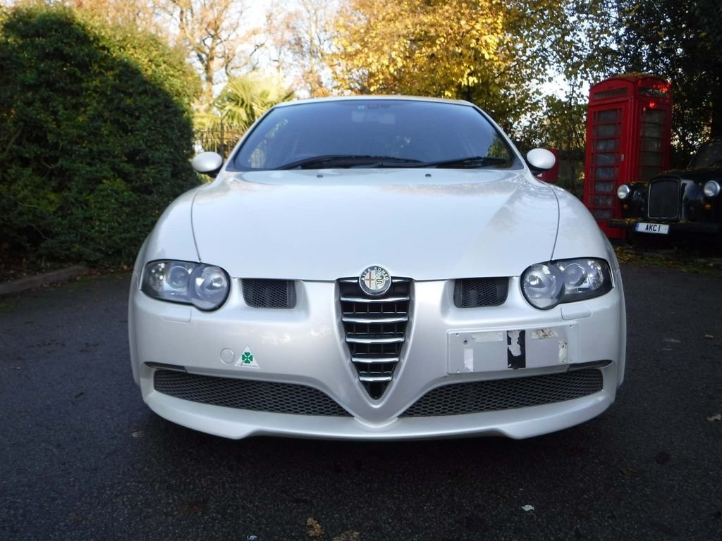 2004 Alfa Romeo 147 3.2 GTA 3dr NUVELLO BIANCO **RARE** For Sale (picture 2 of 6)