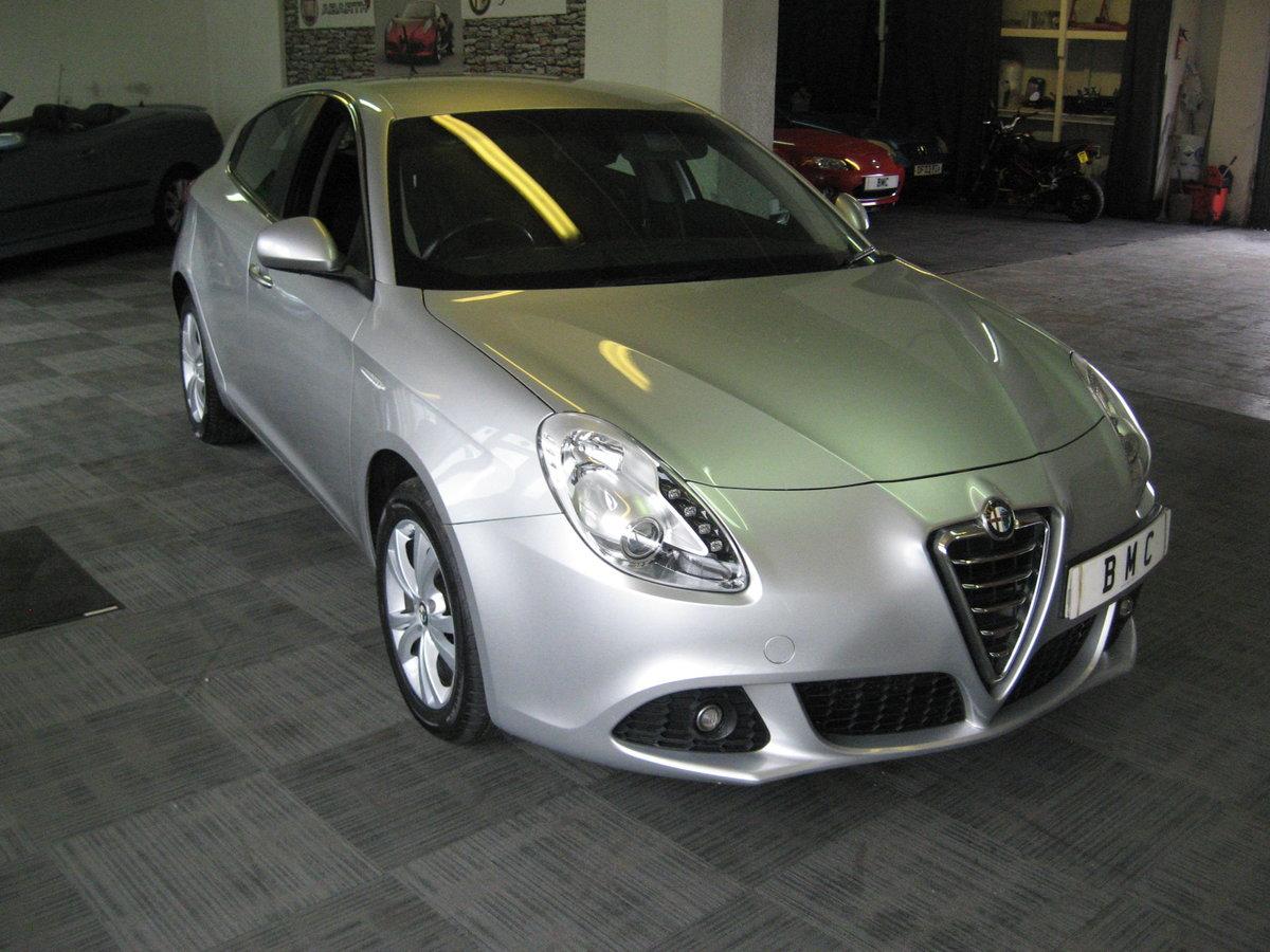 2012 12-reg Alfa Romeo Giulietta 1.6 JTDm-2 105 bhp Lusso  For Sale (picture 3 of 6)