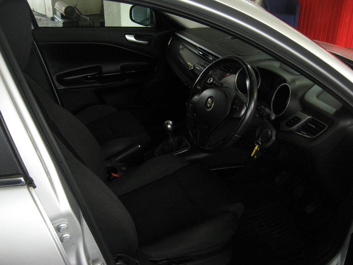 2012 12-reg Alfa Romeo Giulietta 1.6 JTDm-2 105 bhp Lusso  For Sale (picture 6 of 6)