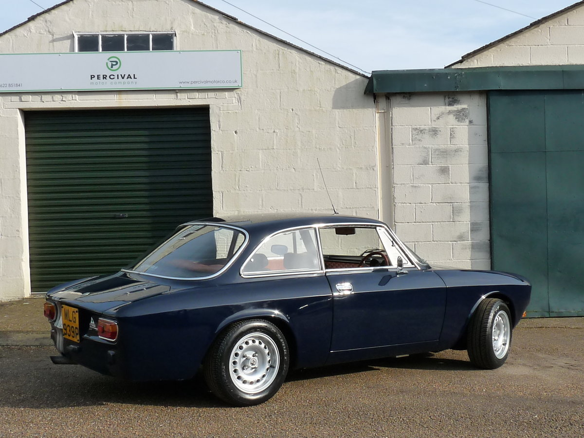 1975 Alfa Romeo GT 105 Coupe, 2.0 litre Twin Spark fitted For Sale (picture 3 of 6)