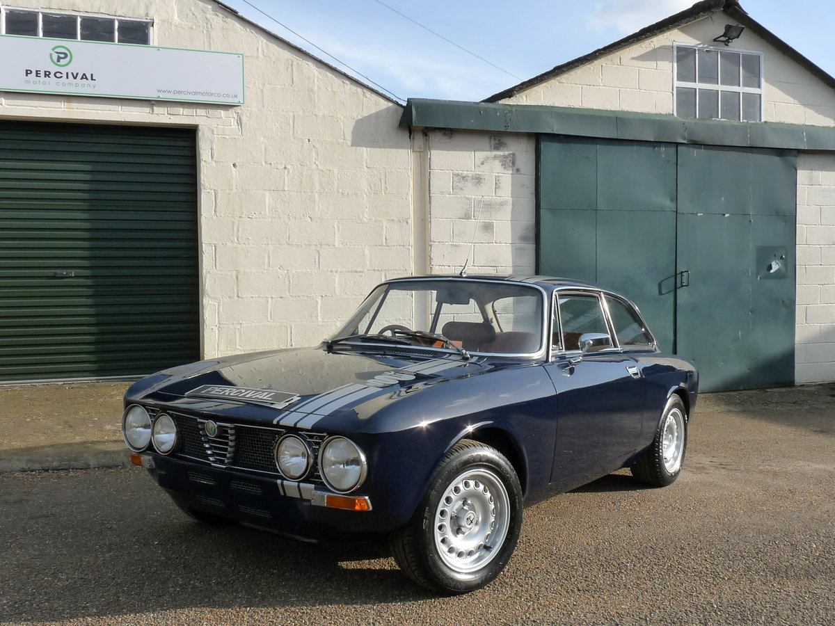 1975 Alfa Romeo GT 105 Coupe, 2.0 litre Twin Spark fitted For Sale (picture 5 of 6)