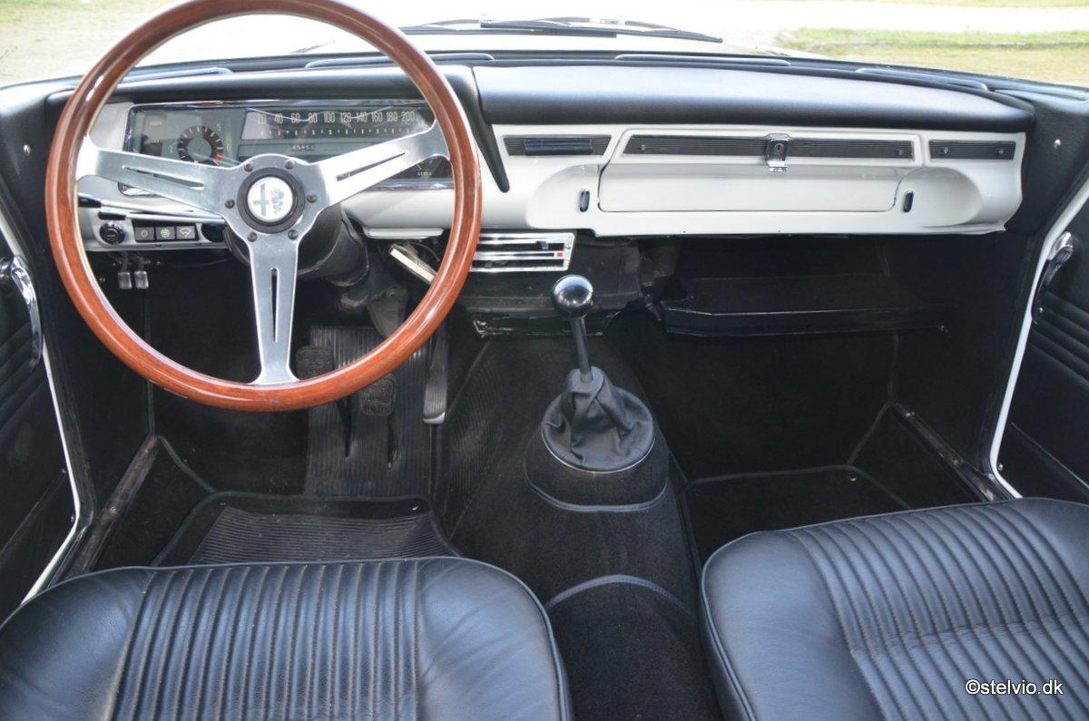 1967 Alfa Romeo Giulia TI Super recreation with 2 litre engine For Sale (picture 6 of 6)